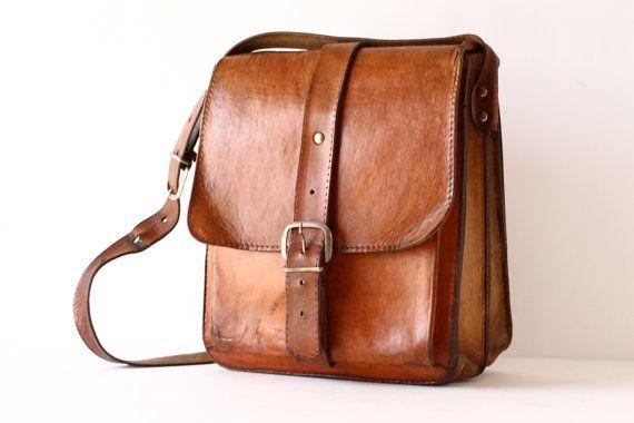 Large Vintage Leather Cross Body Bag Messenger por CrolAndCo
