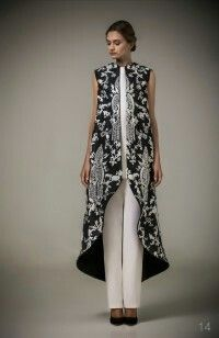 I love this caftan from Ashi Studio!!!