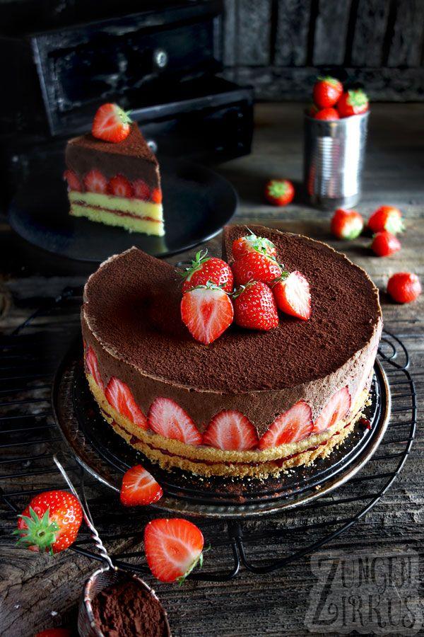 Schokomousse-Torte mit Erdbeeren #cupcakesrezepte