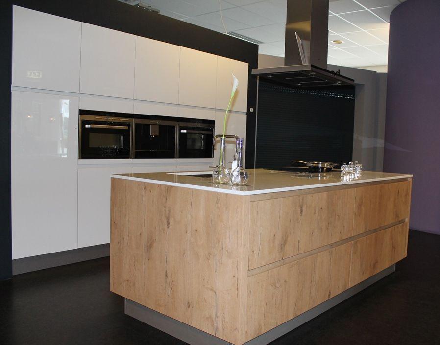 Design Hoogglans Keuken : Wit houten blok design greeploos hoogglans hout ls