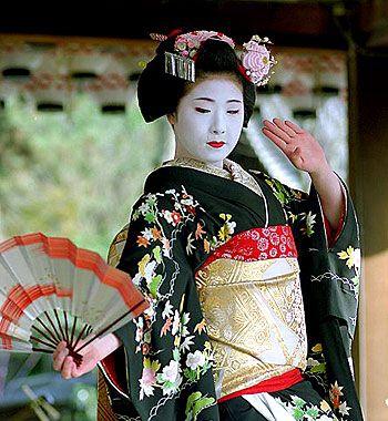 quimono tradicional japonês: gueixa