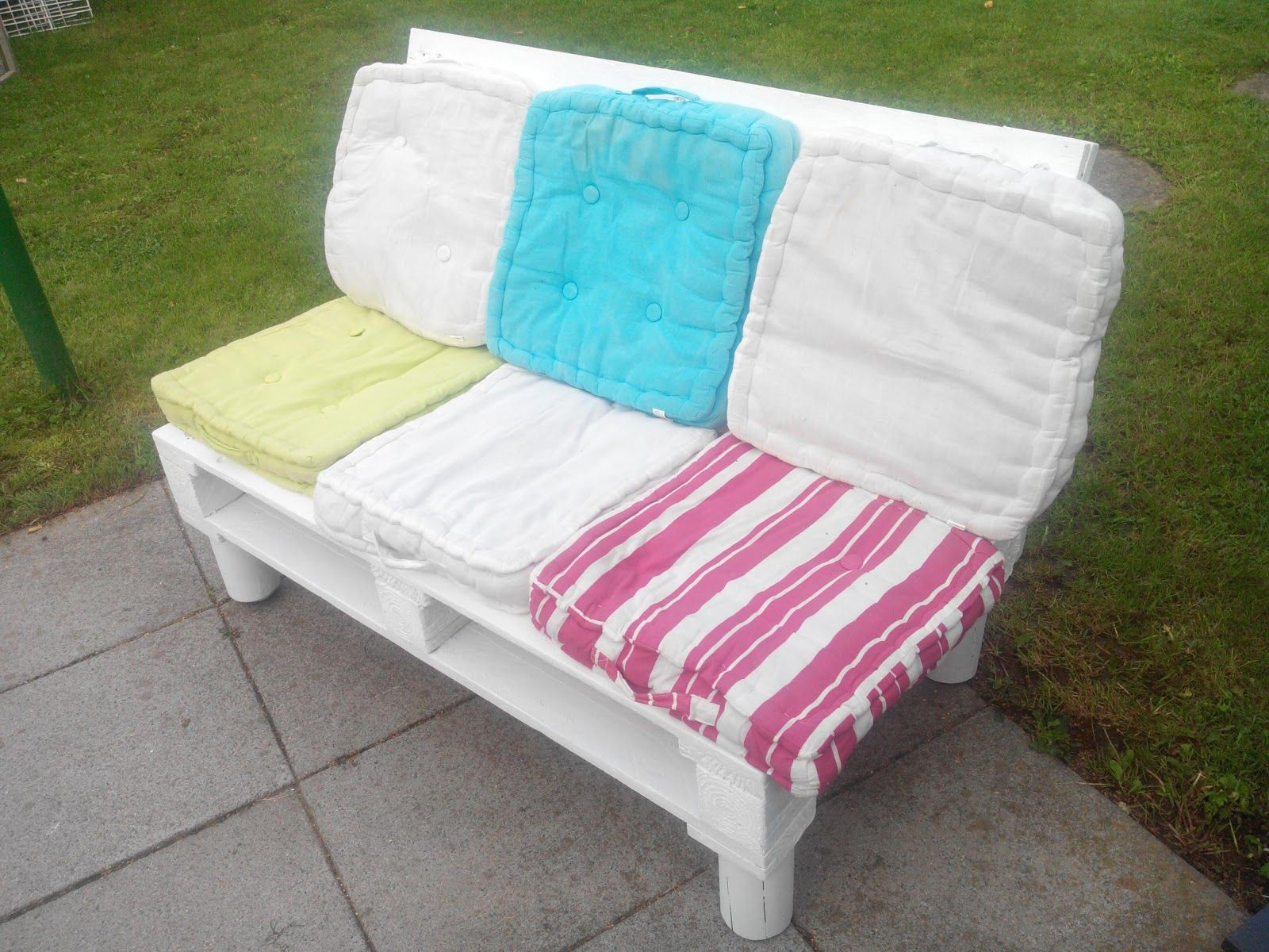 Small Sofa for Kids #Kids, #Pallet, #Sofa