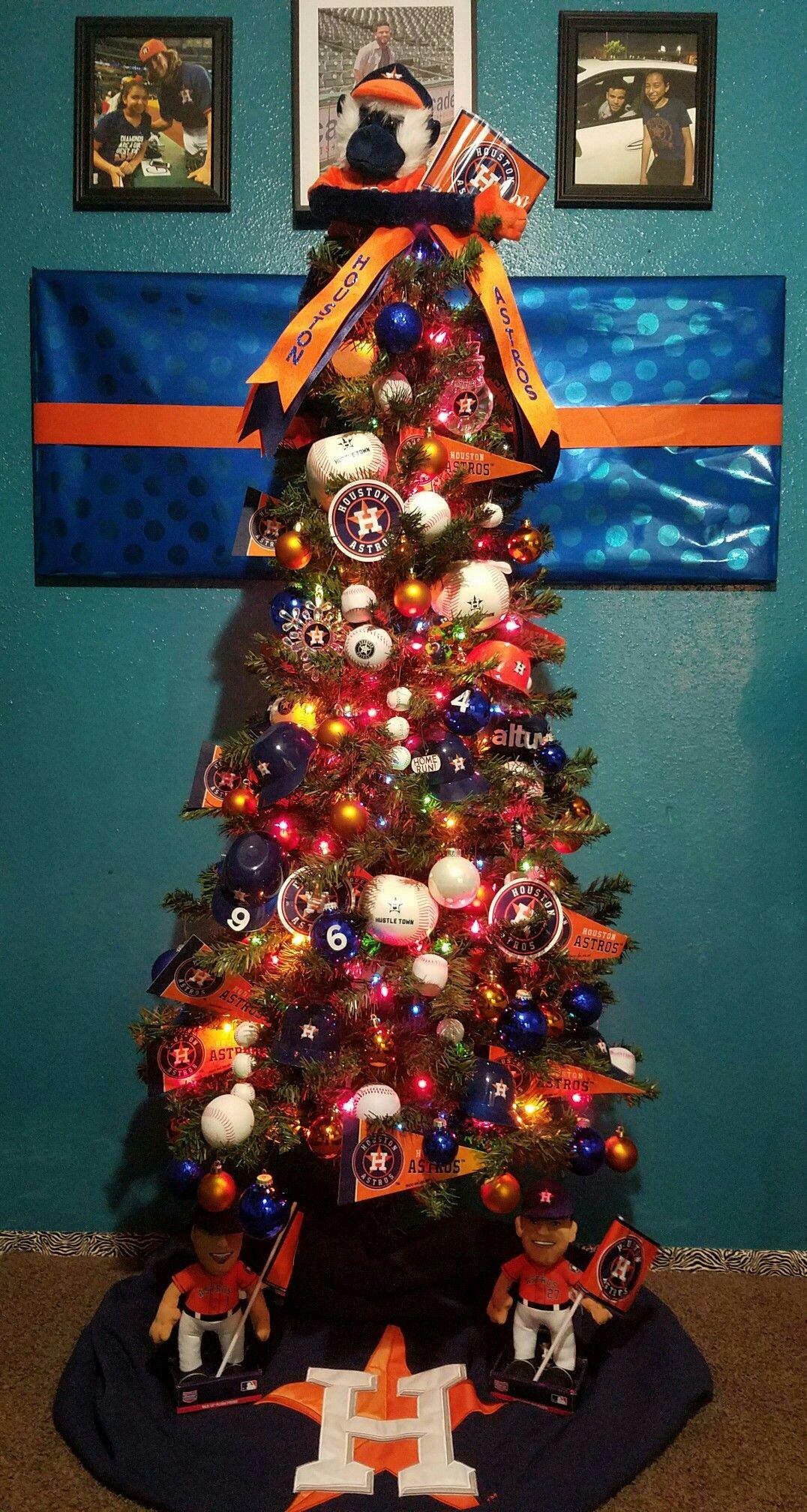 christmas treehouston astros christmas tree themed christmas trees unique christmas trees xmas