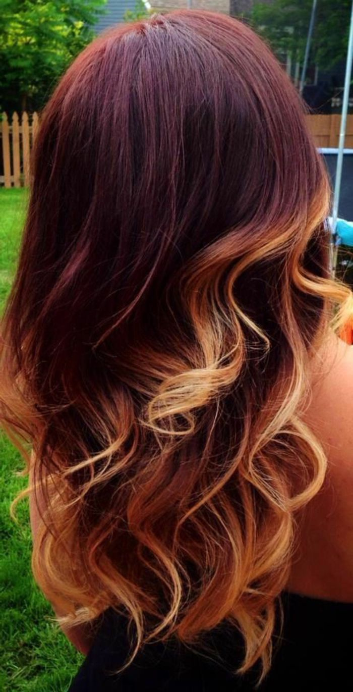 id e coiffure description meche caramel balayage sur cheveux rouges boucles couleur caramel. Black Bedroom Furniture Sets. Home Design Ideas
