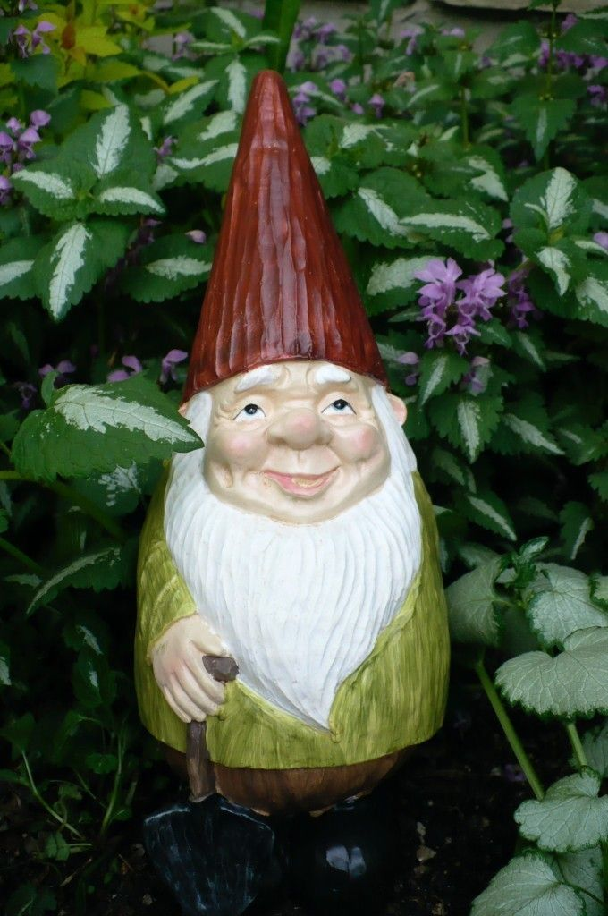 Nome Garden: New Cone Head Pointed Hat Garden Gnome With Shovel Nome
