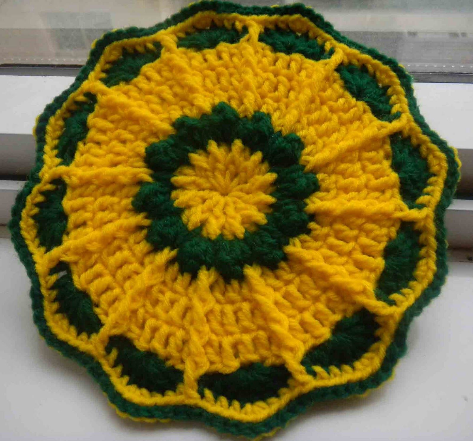 sunflowers crochet | sandvicrochet: Free pattern of crochet Flower ...