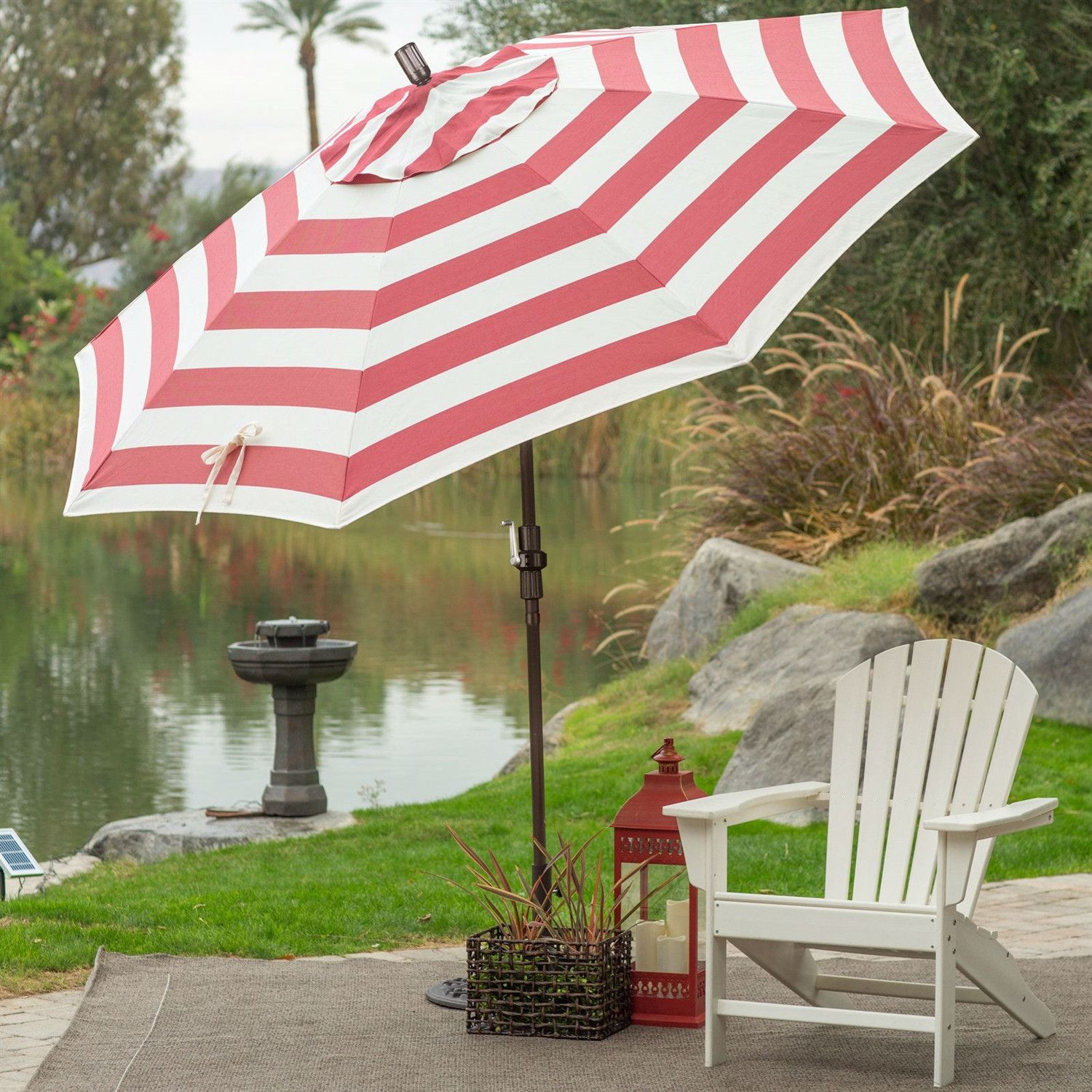 7.5 Ft Patio Umbrella In Red And White Stripe Outdoor Fabric And Metal Pole