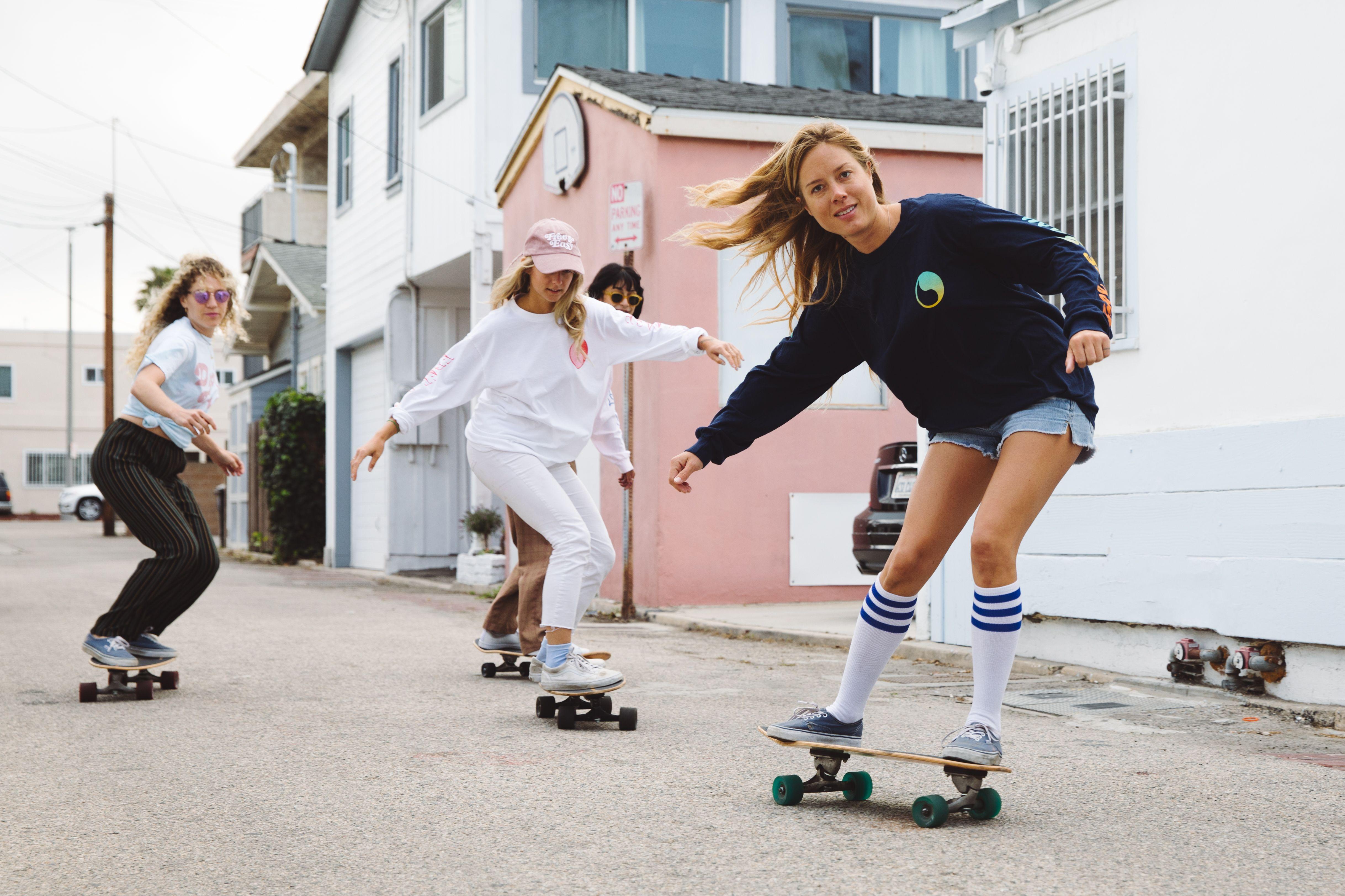 Grlswirl For Free And Easy Shot By Monroe Alvarez Skateboarding Femaleskateboarder Skater Girls Skateboard Girl Skater Girl Outfits