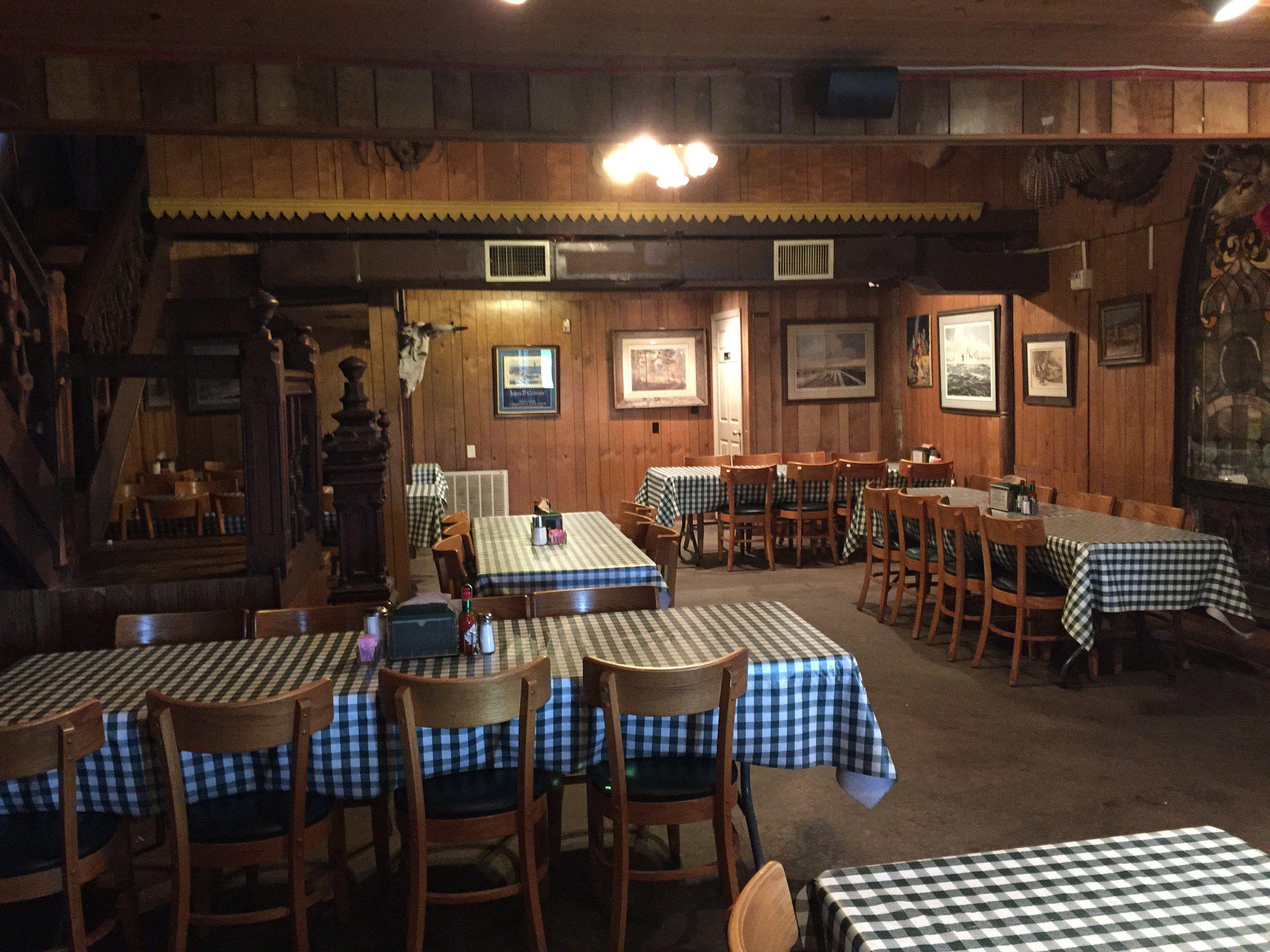Dine In The Swinging Door Bar B Q Restaurant Richmond Texas Bar B Q Swinging Doors Door Bar