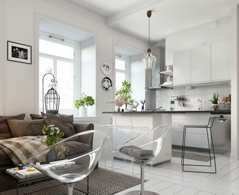 stile scandinavo con mobili, pareti e pavimento chiaro, divano ...