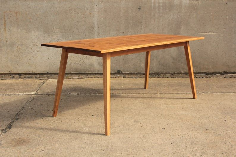 Upcycling Diy Tisch Aus Alten Gerustdielen Holztisch Garten Gartentisch Terrassen Tische