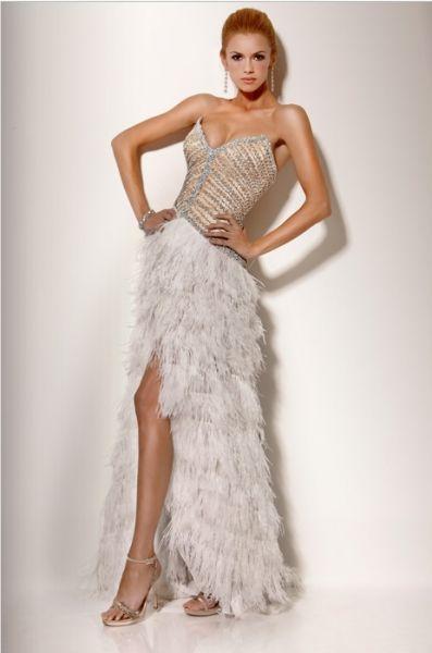 Vestidos de noche con plumas