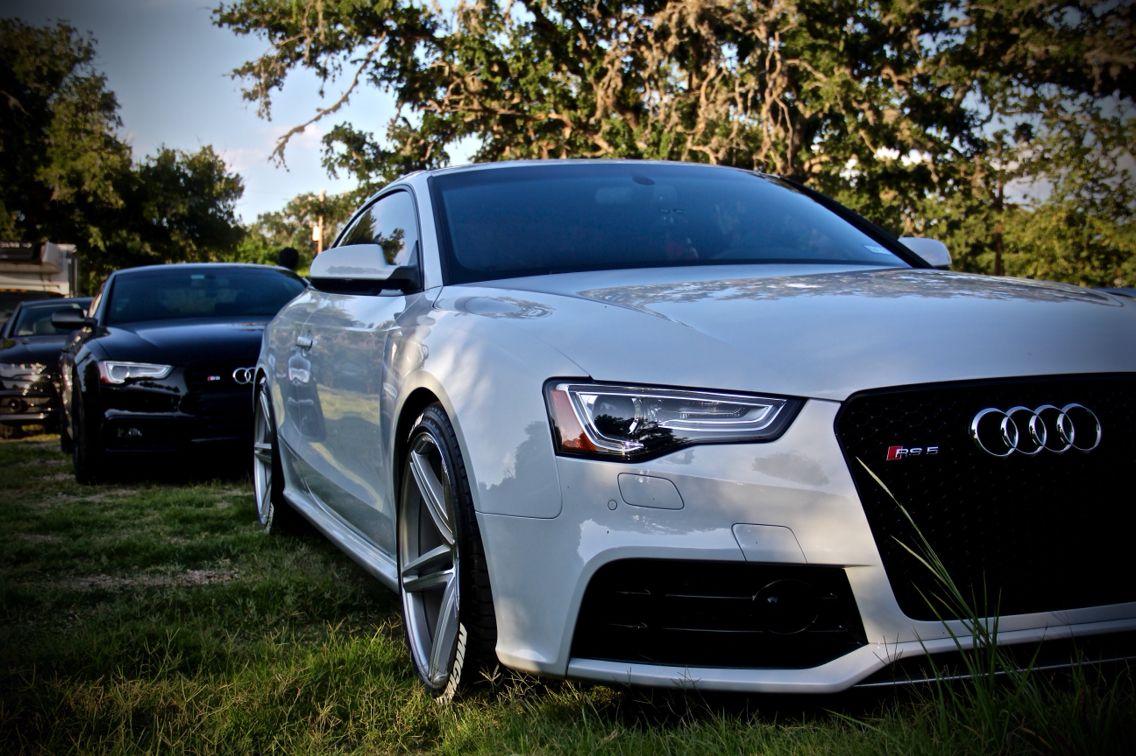 2013 Audi RS5 / SUZUKA GREY / Vossen 20x10.5 / Michelin