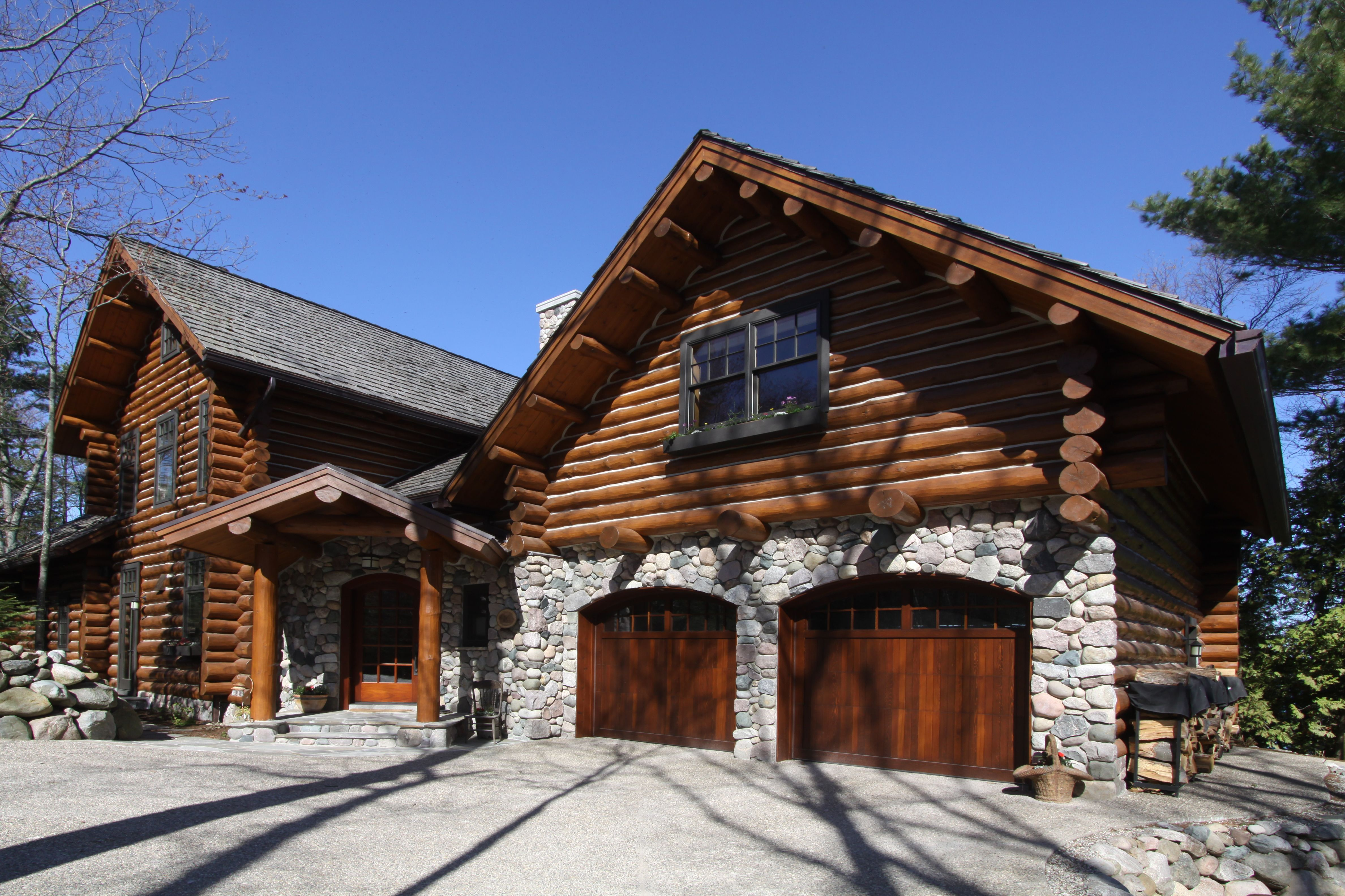 Perhaps Too Big To Be A Cabin But I Love It Hgtv Dream Homes Rustic Houses Exterior House In The Woods