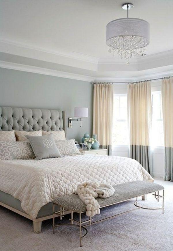 Schlafzimmer Einrichtung Polsterbett Gardinenideen Zweifarbig - Einrichtungsidee schlafzimmer