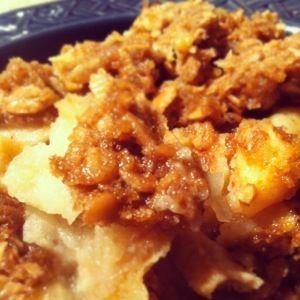 Les desserts aux pommes et tartes sans gluten*** ne se trouvant pas aisément, je vous suggère cette recette de croustade (crumble) qui ne nécessite pas de fond de tarte compliqué à cuisiner.