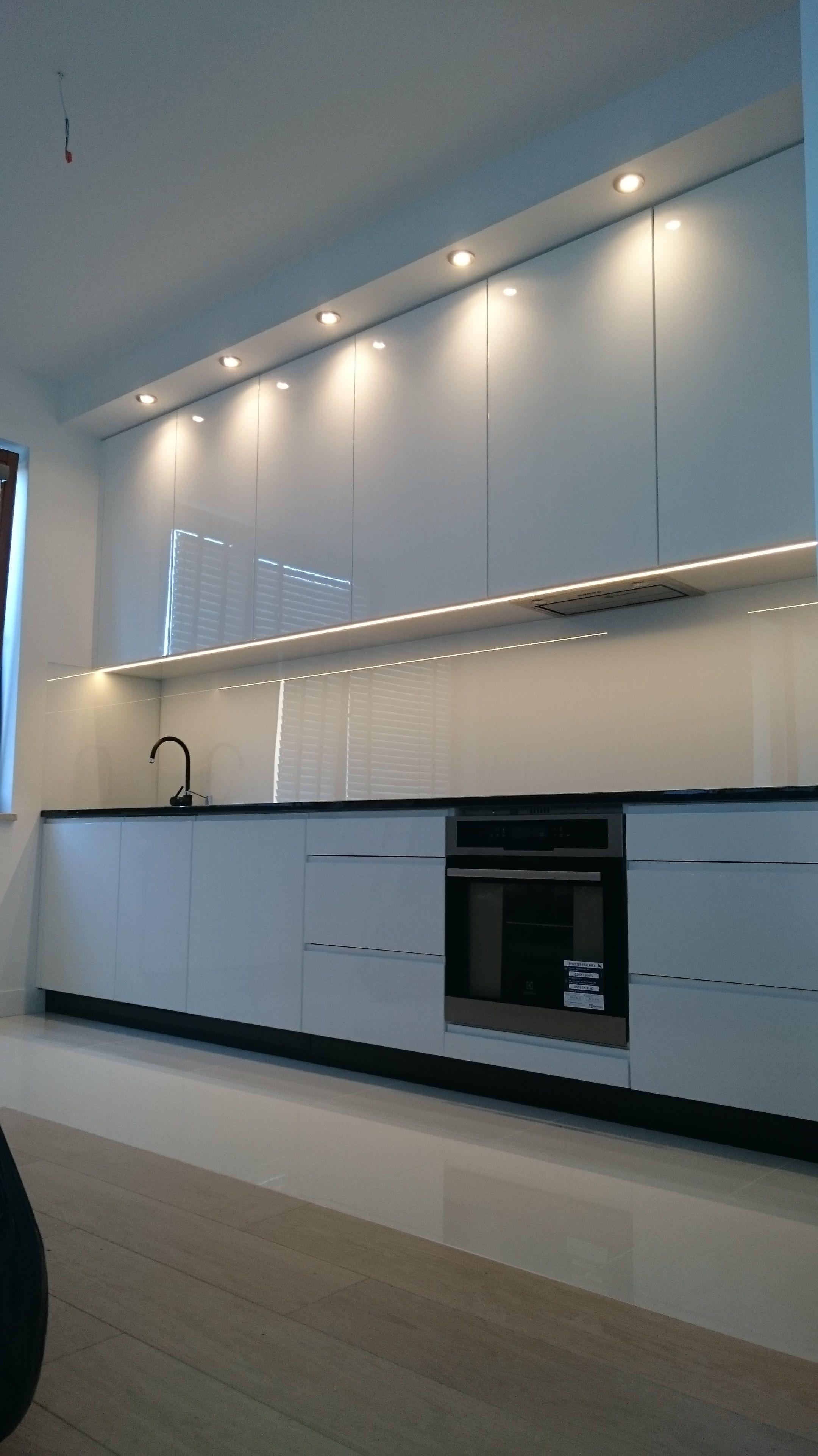 Galeria Mebli Na Wymiar Gdansk Szafy Meble Kuchenne I Lazienkowe Kitchen Cabinets Home Decor Decor