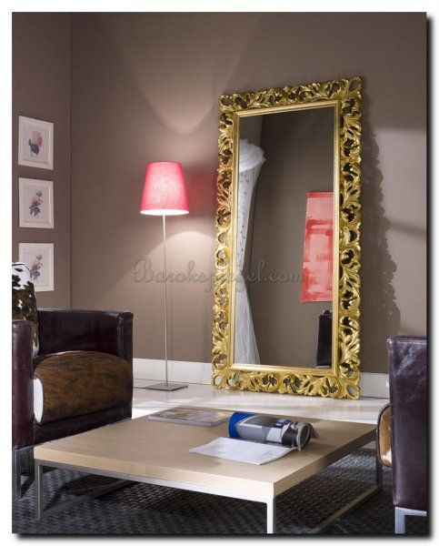 Grote Gouden Barok Spiegel.Grote Spiegel Met Gouden Barokke Lijst Op Taupe Muur In 2019