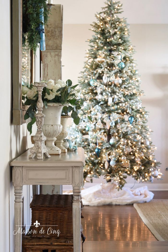 Romantic Holiday Entry Way in Shades of Blue! French farmhouse Christmas decor in the entry--->#maisondecinq #entryway #christmasdecor #christmasdecorating #holidaydecor #holidaydecorating #bluechristmas #holidayentry #christmasentry #frenchcountry #countryfrench #frenchfarmhouse #farmhousestyle