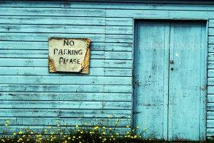 Frente de una casa con cartel de no aparcar en #Escocia / In front of a house with no parking sign #Scotland