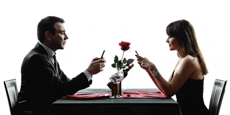 Dating fete pe internet)