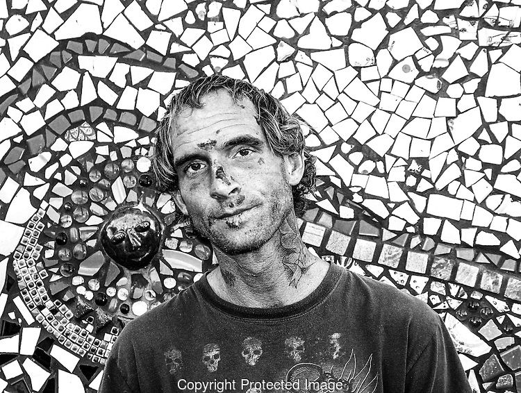 LOUD LOVE PHOTOGRAPHY #art #artist #mosaic #mosaics #loudlovephotography #sandiego #photography #losangeles #socal #california #photos #dirty #pattern #blackandwhite #photography