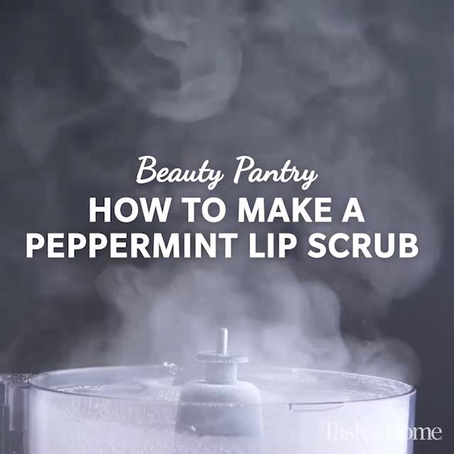 How to Make Peppermint Lip Scrub #lipscrubs