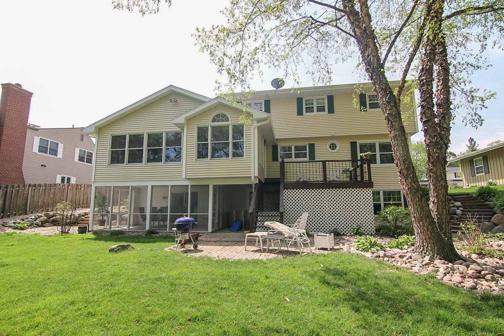 zillow has 1 067 homes for sale in madison wi view listing photos rh gr pinterest com