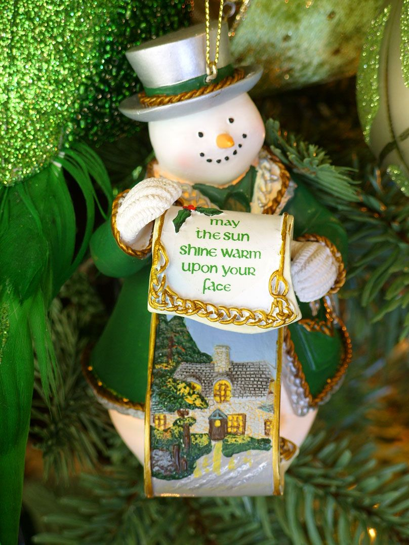 Decorating An Irish Themed Christmas Tree Irish Christmas Decorations Irish Christmas Christmas Tree Themes