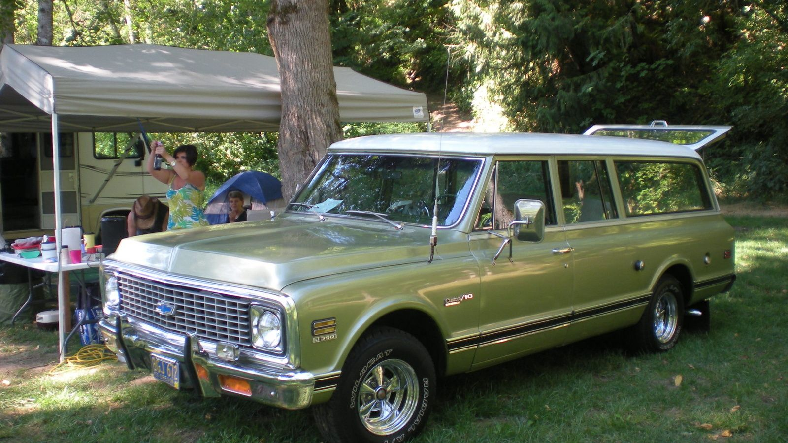 Chevrolet Suburban Questions How Much Is My 1972 3 Door Custom 10 Worth Chevrolet Suburban Chevy Suburban Classic Cars Trucks