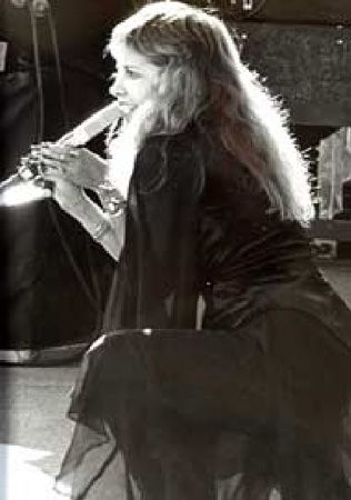 Stevie Nicks performing (Source: Fleetwood Mac official website from 2003)