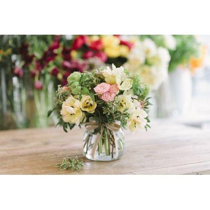 Jarrón de Cristal con flores de temporada | flores madres | Pinterest