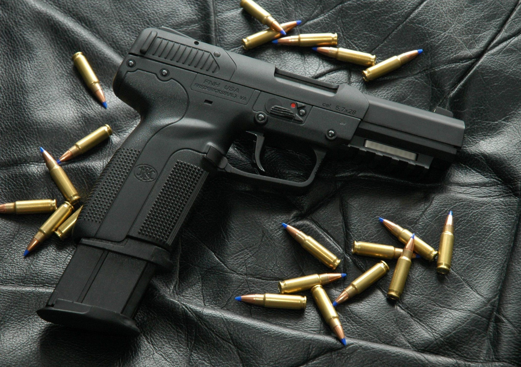 FN 'Five-seveN' - I'd choose one of these over both the 9mm and .45 www.youtube.com/c ...