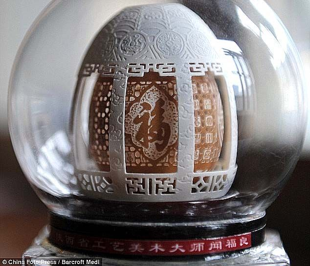 (2 Videos) 2 Extraordinary Egg Shell Sculptors East and West  While there are exceptional #egg_shell_sculptors, two are extraordinary: #Gary_LeMaster from the West (Iowa, USA) and Chinese born #Wen_Fu_Liang from the East.  http://www.womanyes.com/2-videos-2-extraordinary-egg-shell-sculptors-east-and-west/