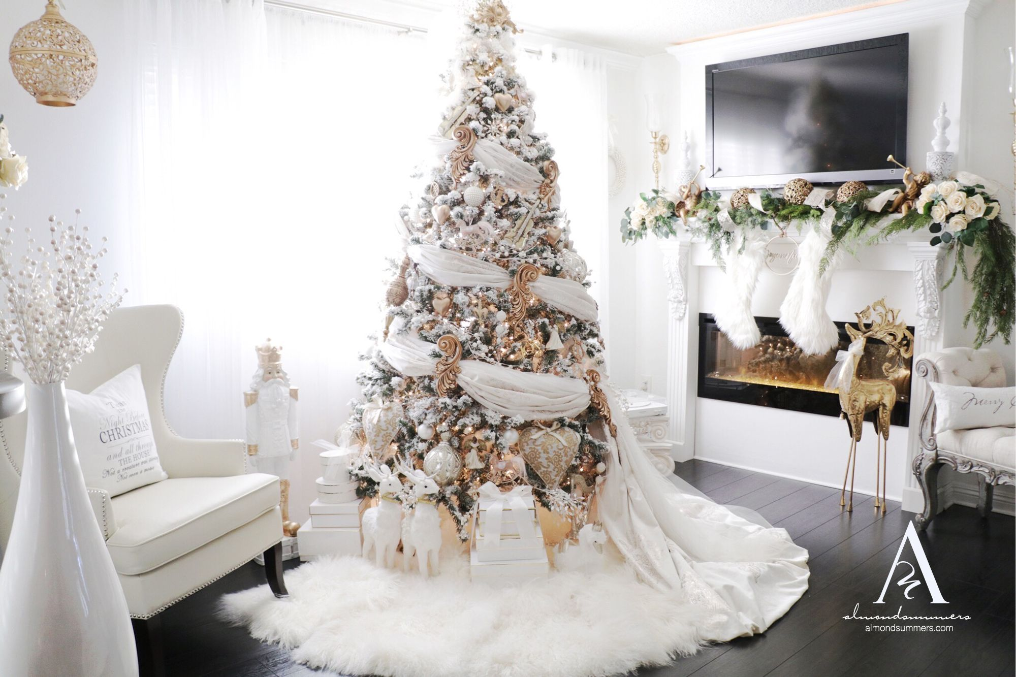 Romantic Christmas Decorations 2019 Fairy Tale Romantic Christmas Decorating Ideas Tree Wraps In 2020 Romantic Christmas Christmas Decorations Create A Fairy