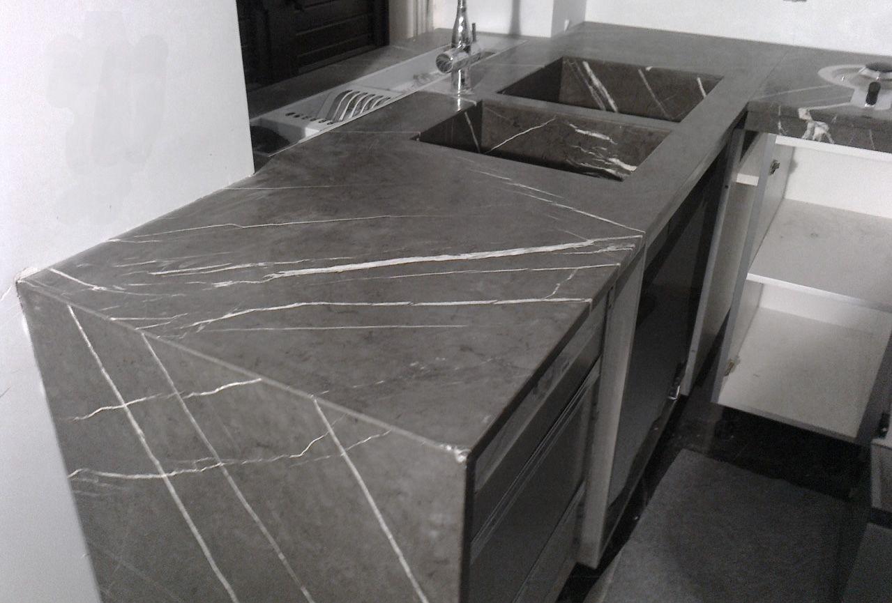 0005 REALIZZATO progetto piani cucina in pietra graffite e lavelli ...