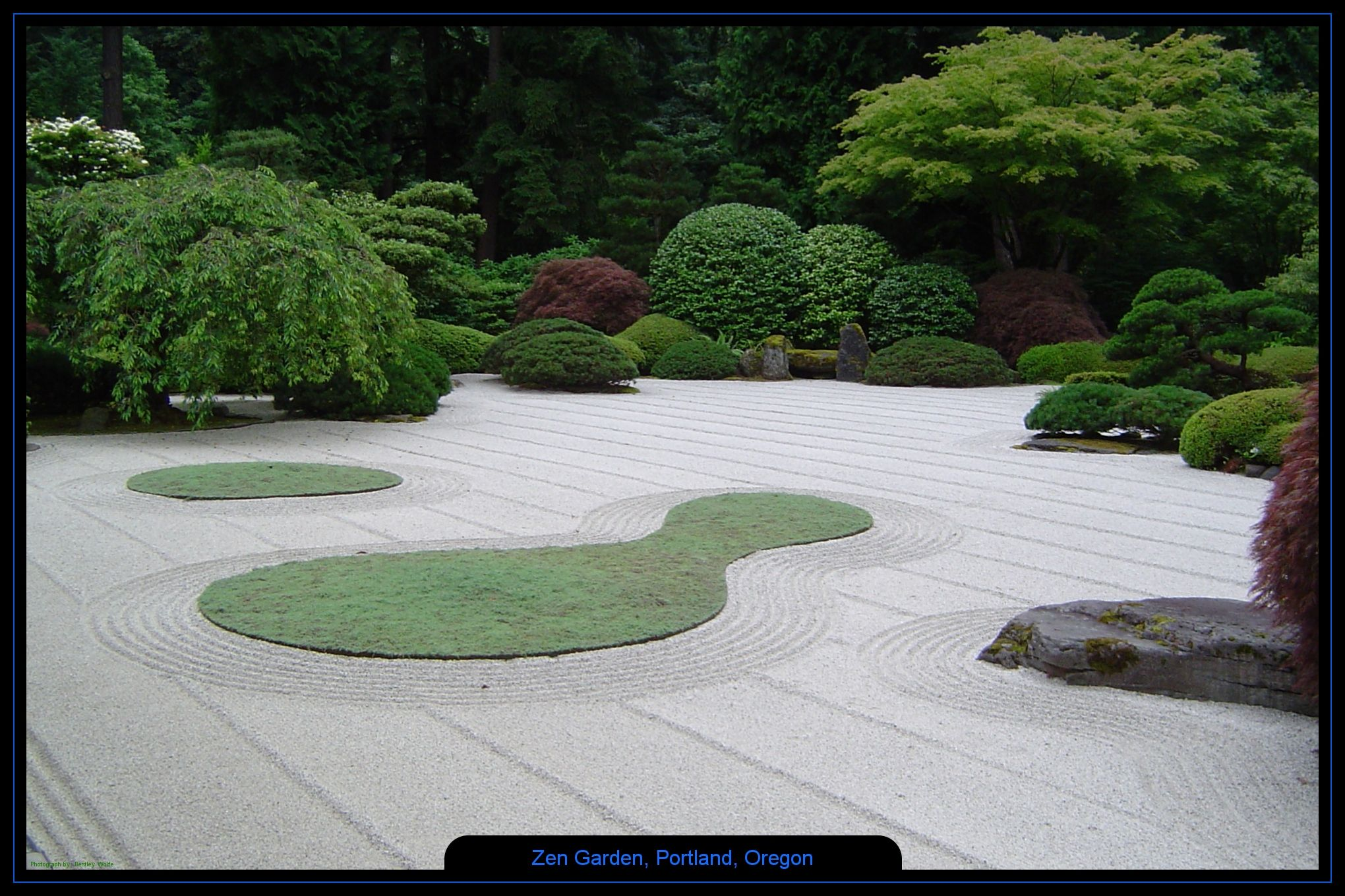 Miniature japanese zen garden design relatively small for Japanese meditation garden design