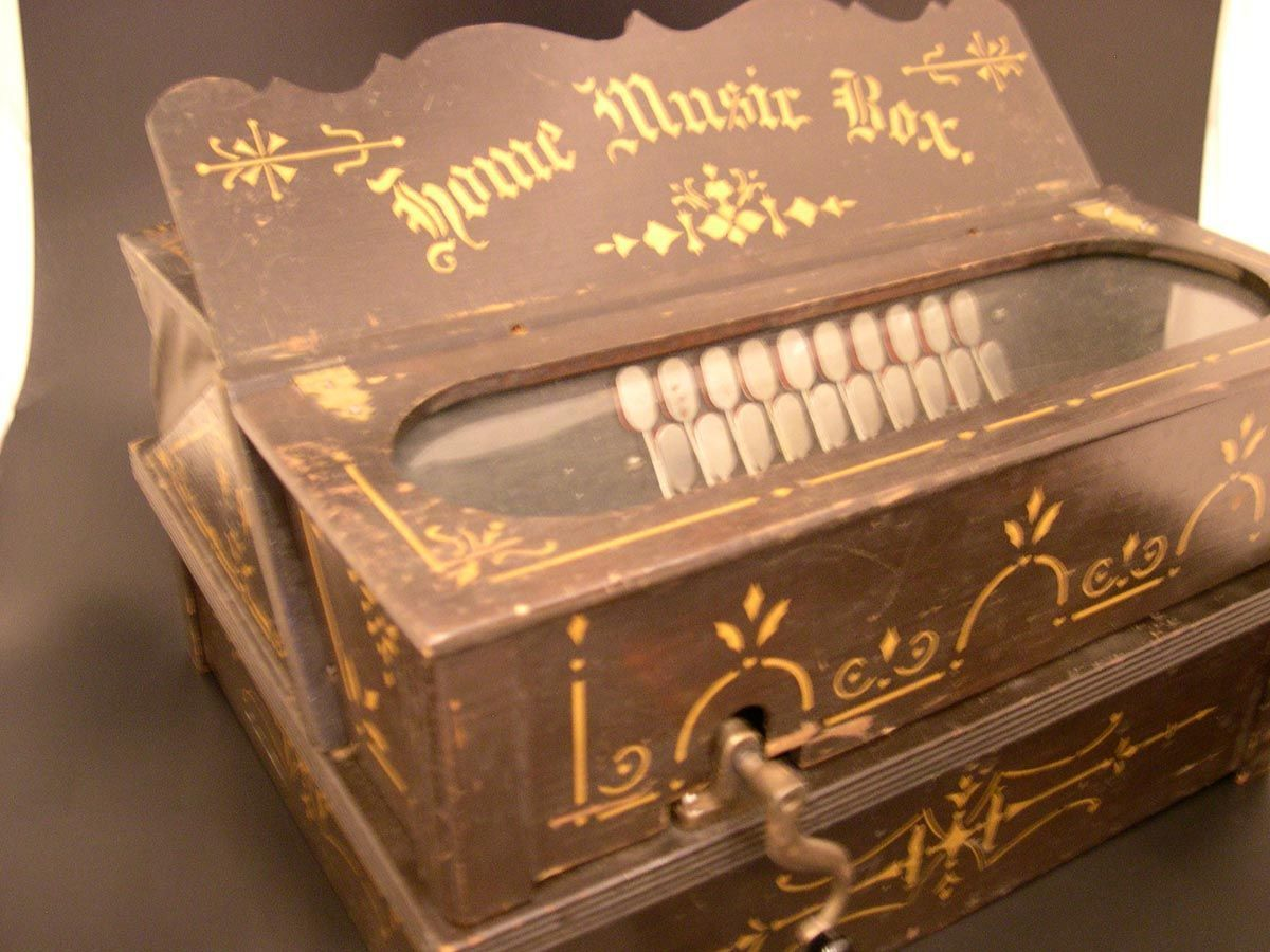 Love Quotes Marines Girlfriend Music Boxes Quotes Best Friend Gifts Girlfriends Girlfriend Gift Brother Gifts Exquisite And R In 2020 Antique Music Box Music Box Music