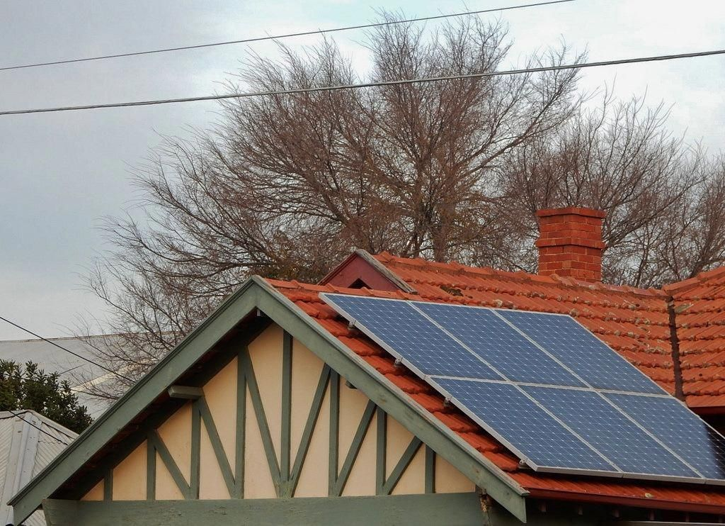 Green Energy For All Solar Energy With Battery Storage Choosing To Go Green By Converting To Solar Tech In 2020 Solar Energy Panels Renewable Solar Solar Energy Diy