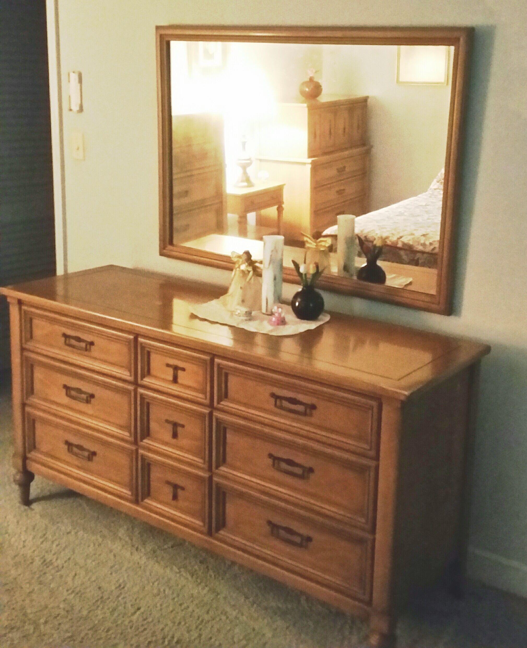 White Fine Furniture Antique Raisal Instraisal