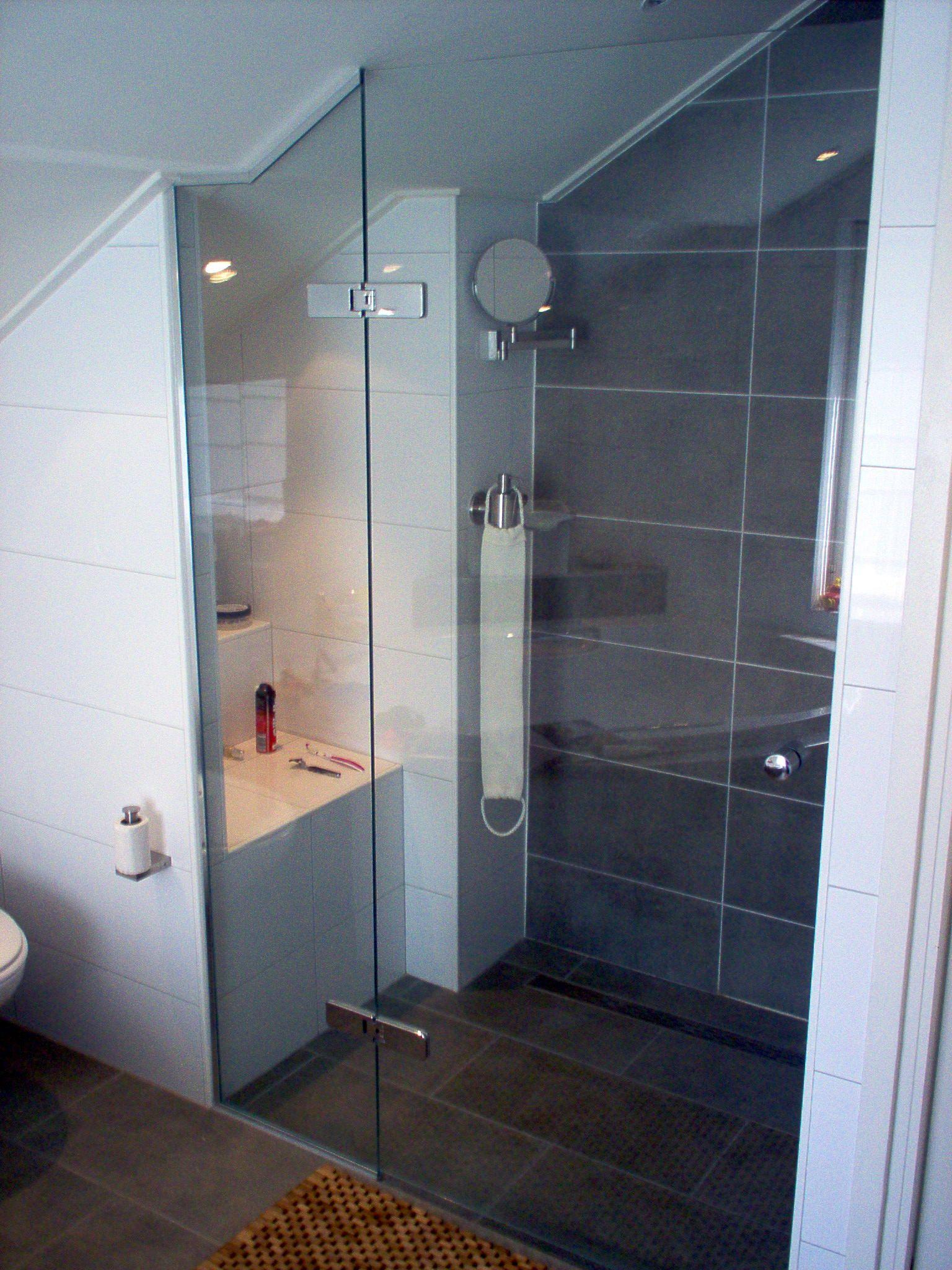 douchedeur type c met afgeschuind paneel geheel op maat gemaakt