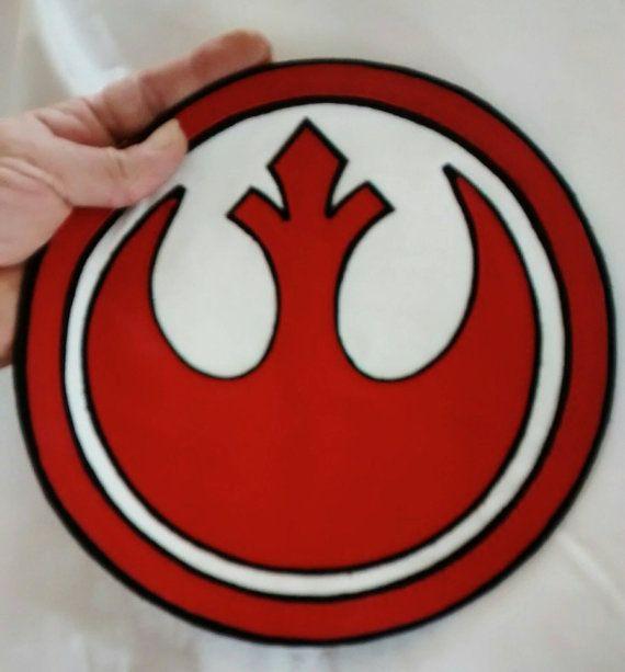 Star Wars Two-Tone Stitched Logo Patch T-Shirt     Boy/'s Size M 8