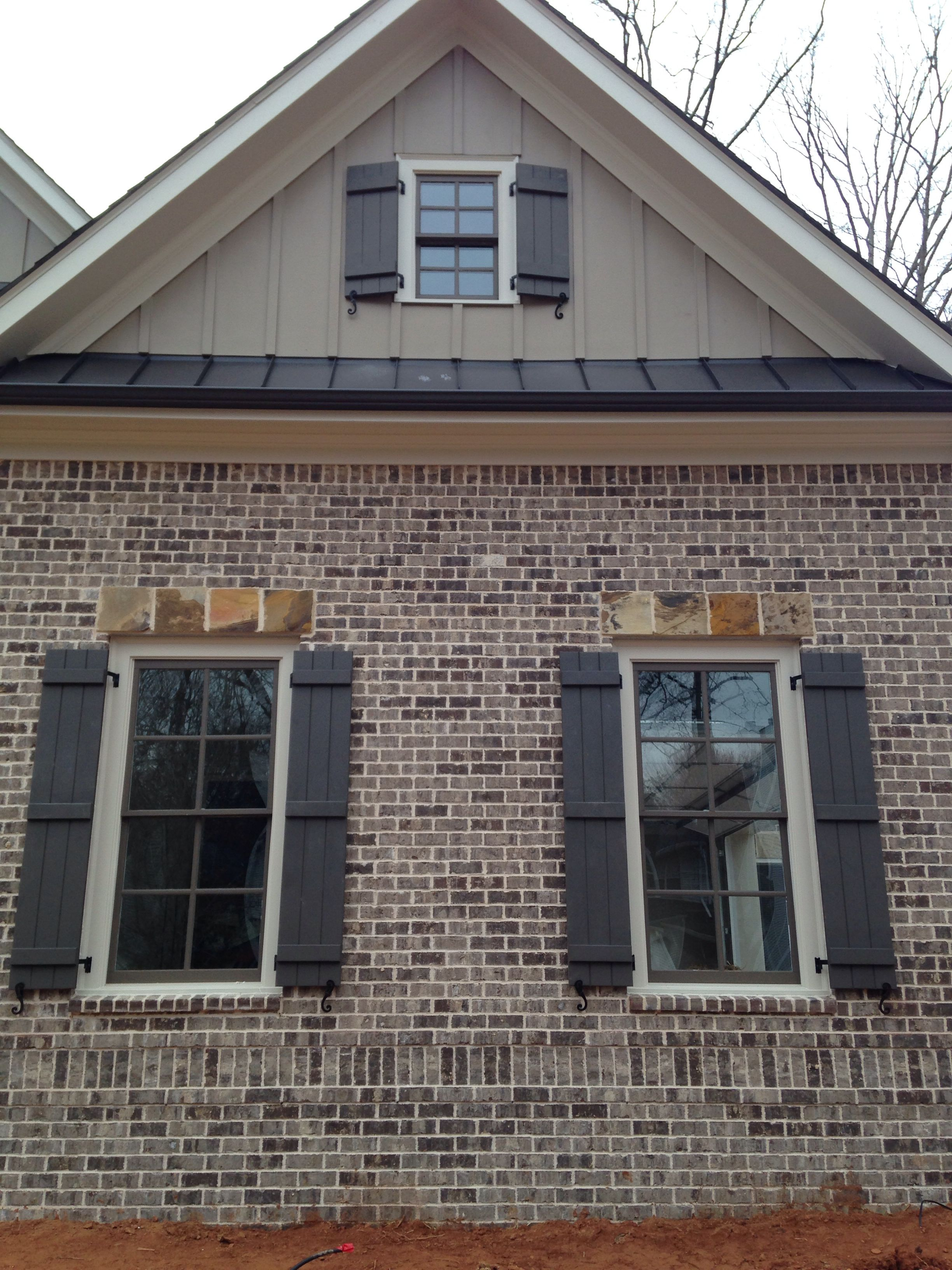 Brick marshton mortar ivory 2014 hot bricks - Exterior house paint colors 2014 ...