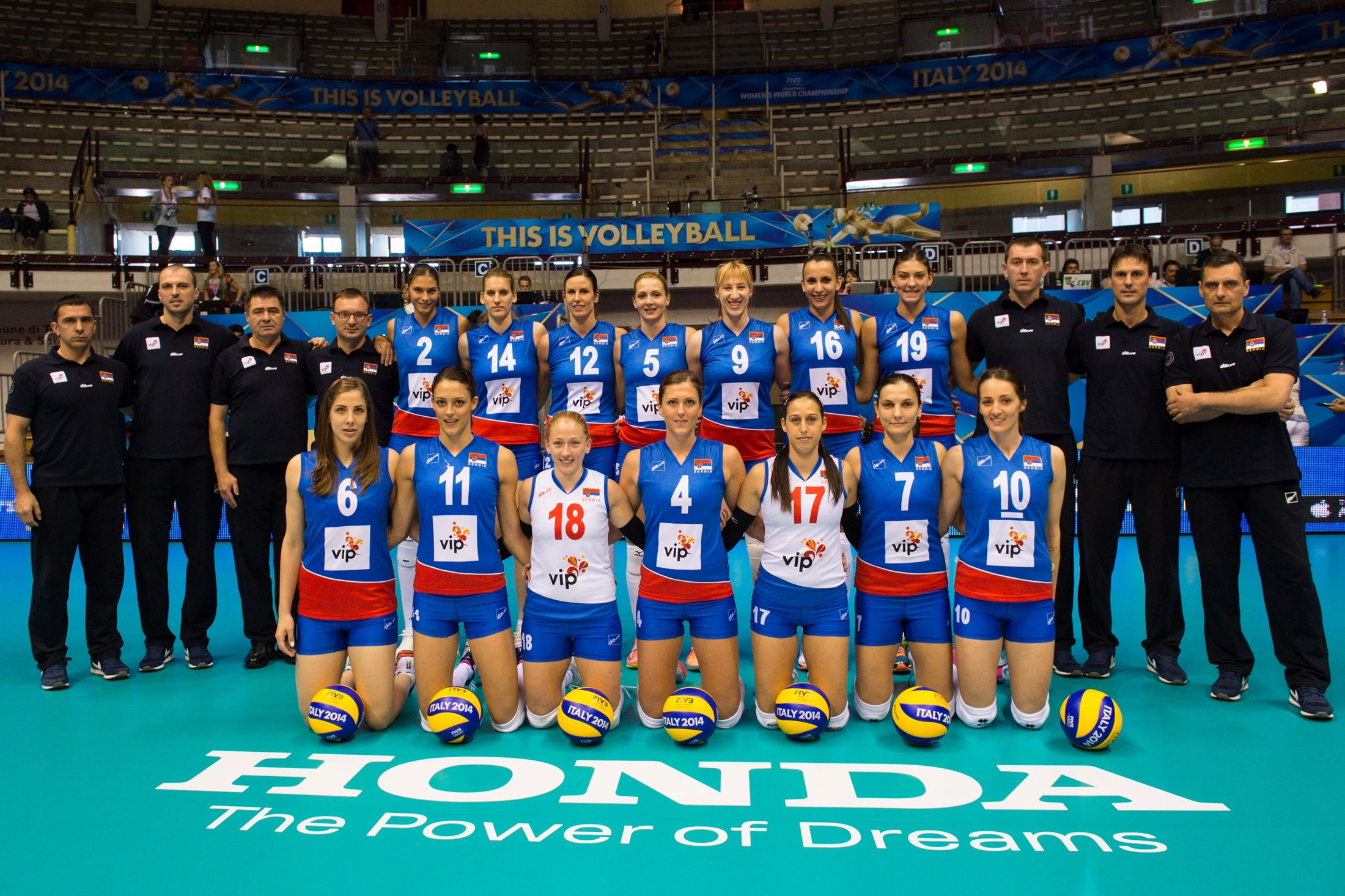 Seniorke 7 Na Svetskom Prvenstvu U Italiji Senior Women Of Serbia 7th Place At The World Championship In Women Volleyball Volleyball World Championship