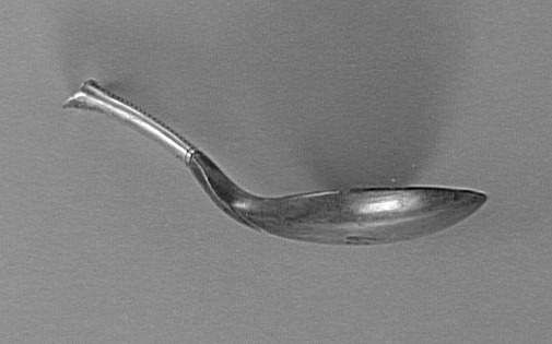 side-view of spoon in the Louvre  http://www.photo.rmn.fr/archive/98-008306-2C6NU0X5W2BK.html