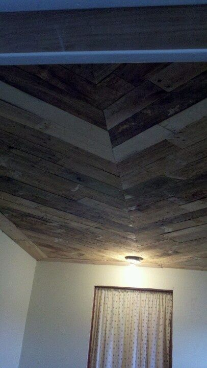 Putting Pallet Boards On A Ceiling Pallet Ceiling Pajaros