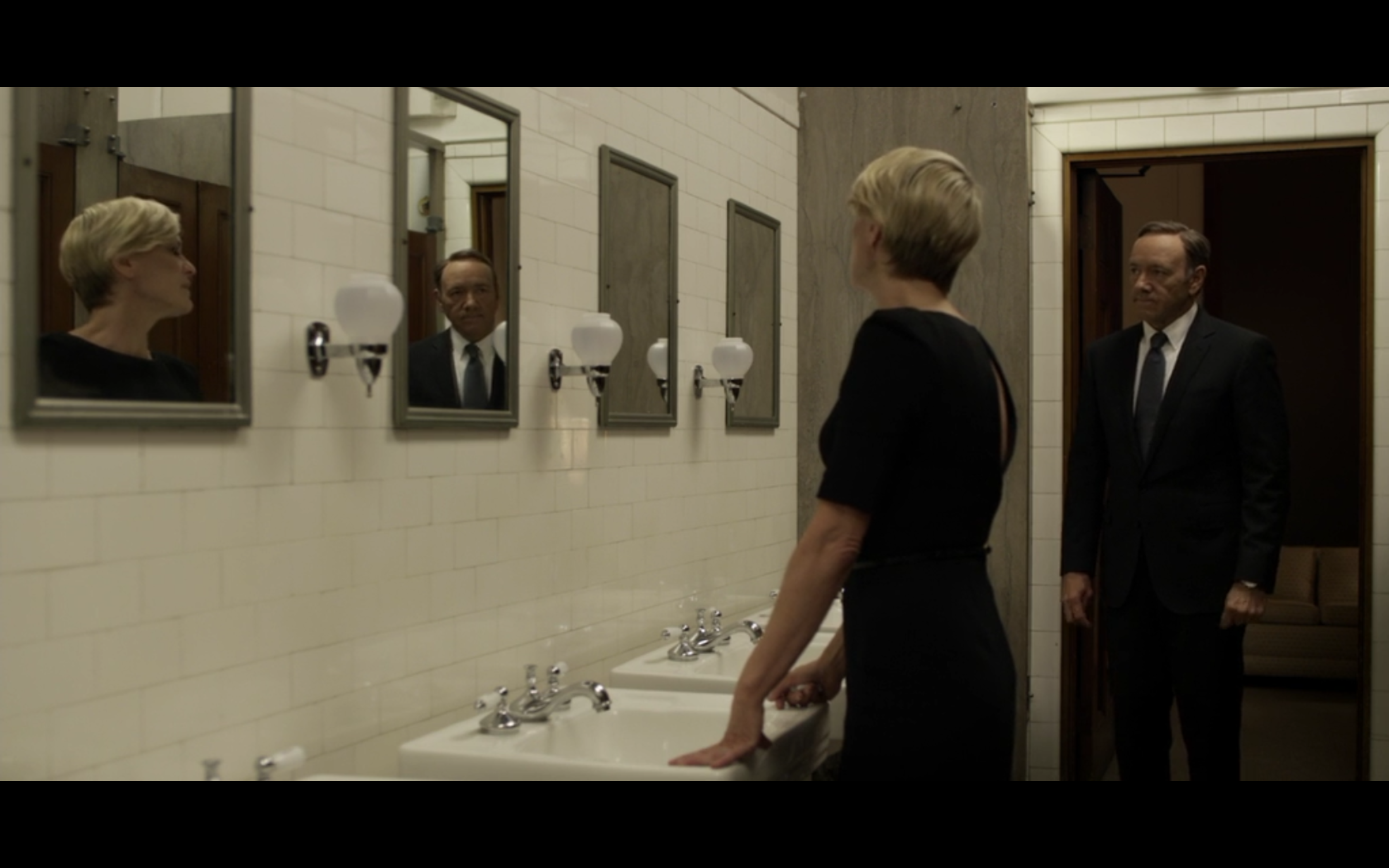 House Of Cards In 2020 House Of Cards In This Moment Bathroom