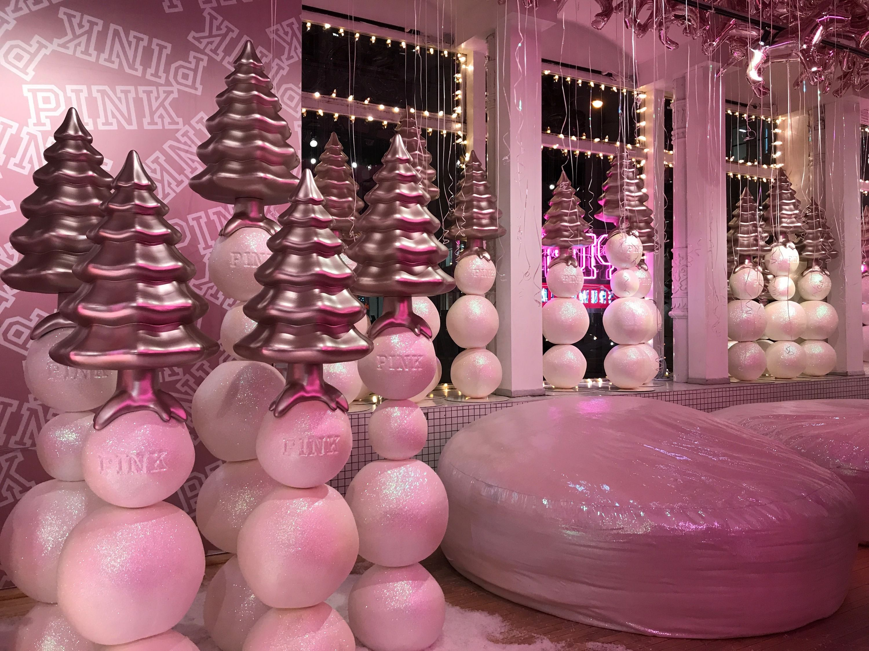 Gigantic Christmas Decorations Nyc 2020 Pose in a giant snow globe at a new Victoria's Secret Pink holiday
