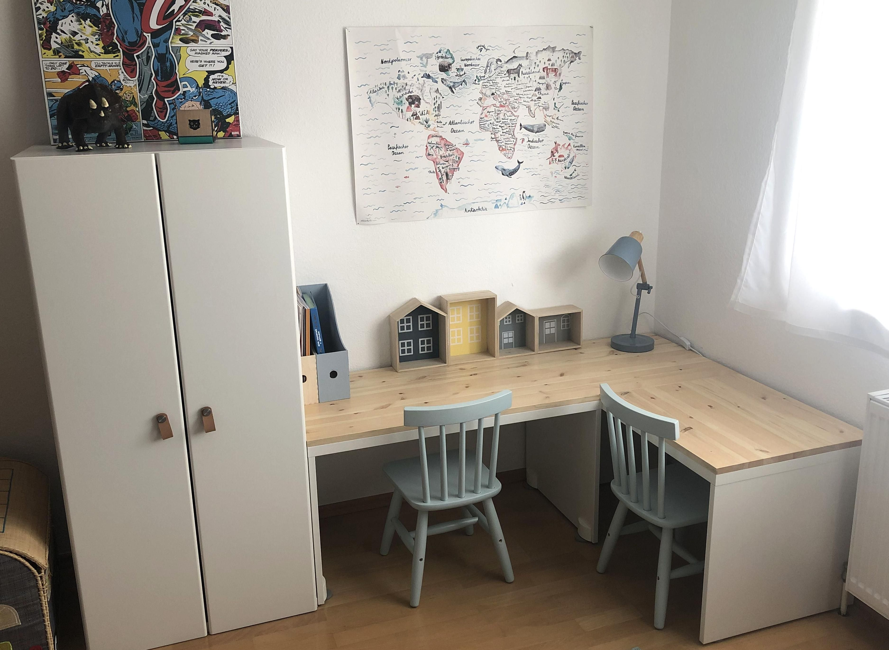 Ikea Hack Fr Kinderzimmer Schreibtisch Stuva Hack In 2020 Nursery Room Boy Boy S Room Kids Room Desk