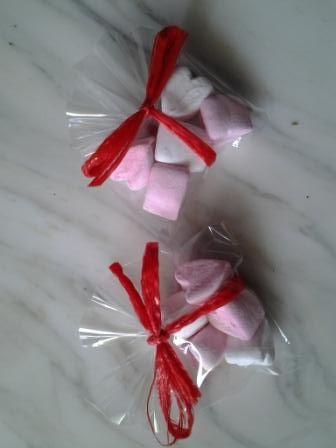 Segnaposto Matrimonio Marshmallow.Kids Placeholder With Heartshape Marshmallows Love Wedding